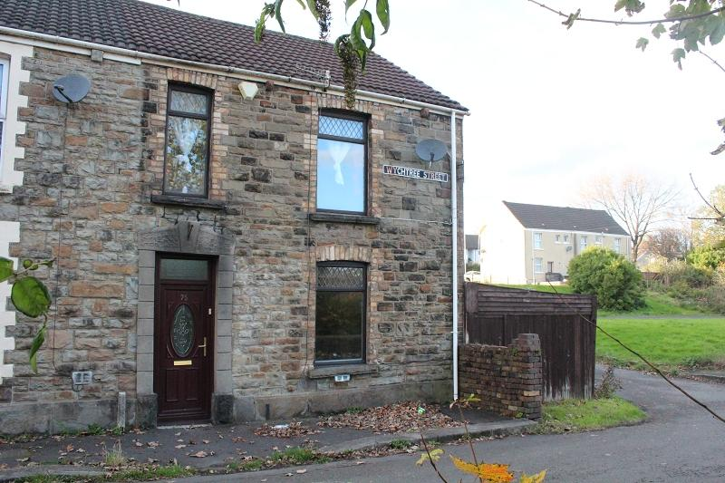 2 Bedrooms End Of Terrace House for sale in Wychtree Street, Morriston, Swansea.