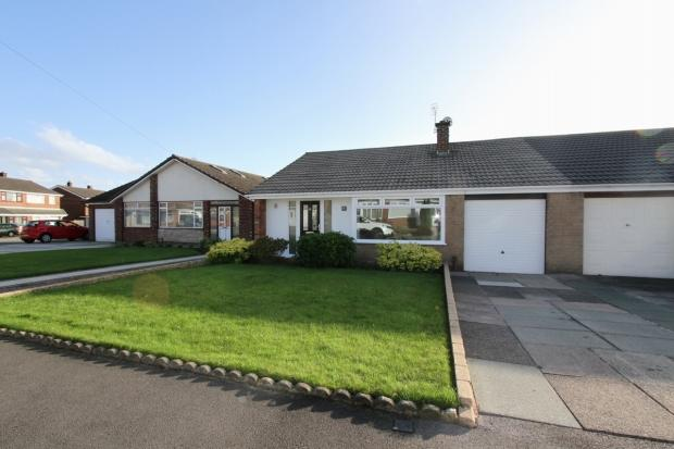 3 Bedrooms Semi Detached Bungalow for sale in Tenbury Drive Ashton In Makerfield Wigan
