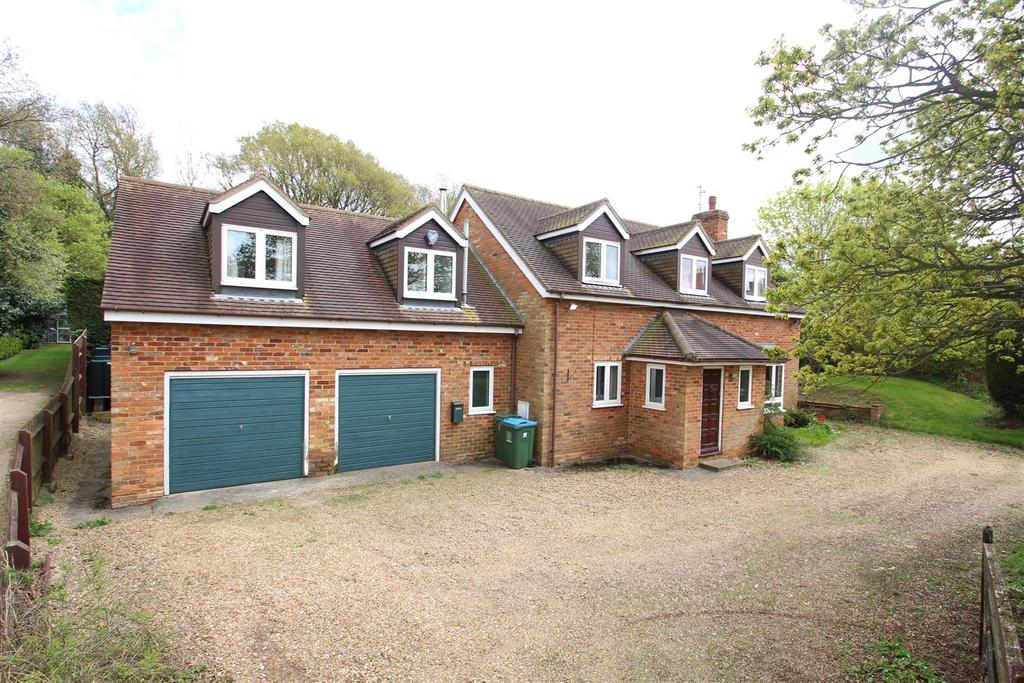 6 Bedrooms Detached House for sale in High Street, Whaddon, Milton Keynes