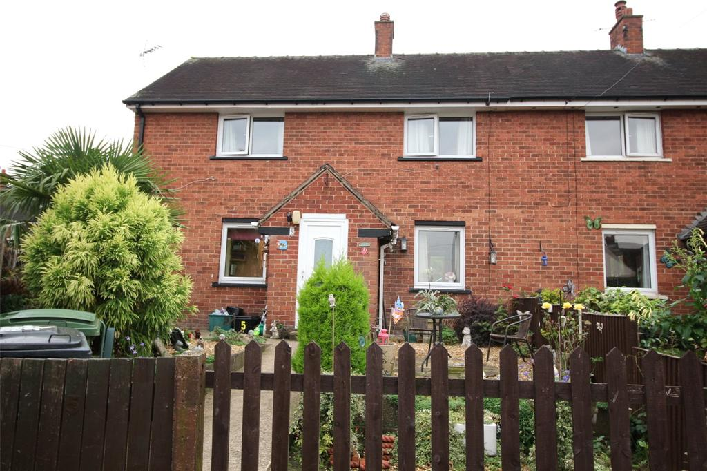 3 Bedrooms Semi Detached House for sale in Bryn Celyn, Southsea, Wrexham, LL11