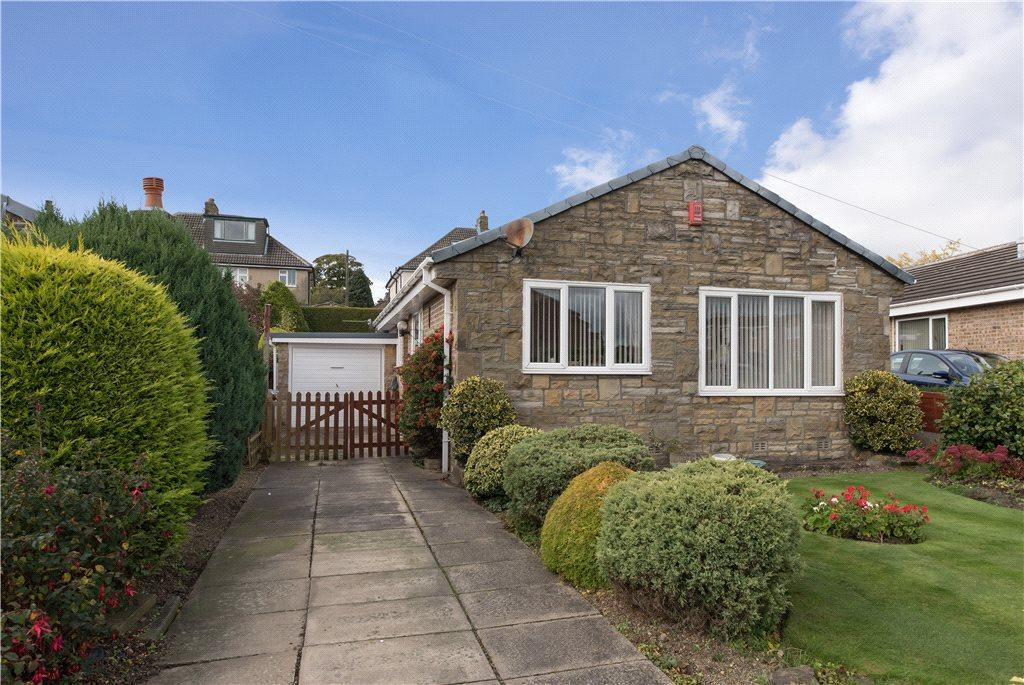 2 Bedrooms Detached Bungalow for sale in Moor Croft, Eldwick, West Yorkshire