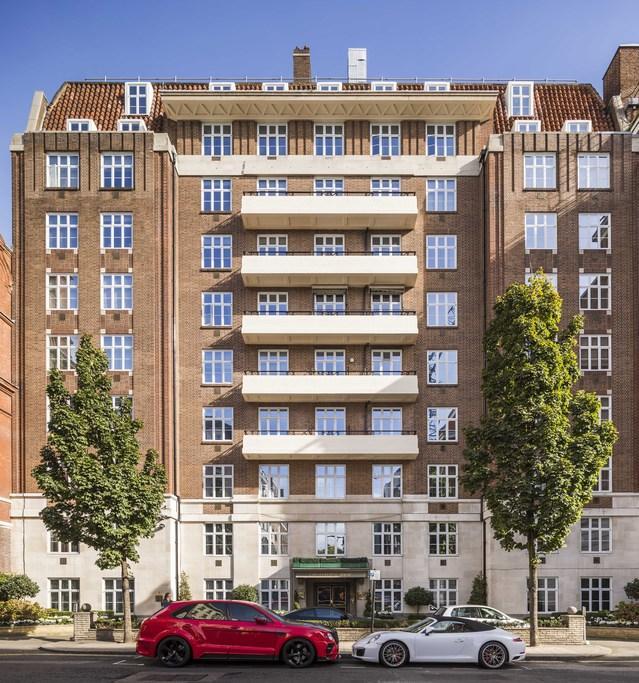 1 Bedroom Flat for sale in Chesterfield Gardens, London, W1J