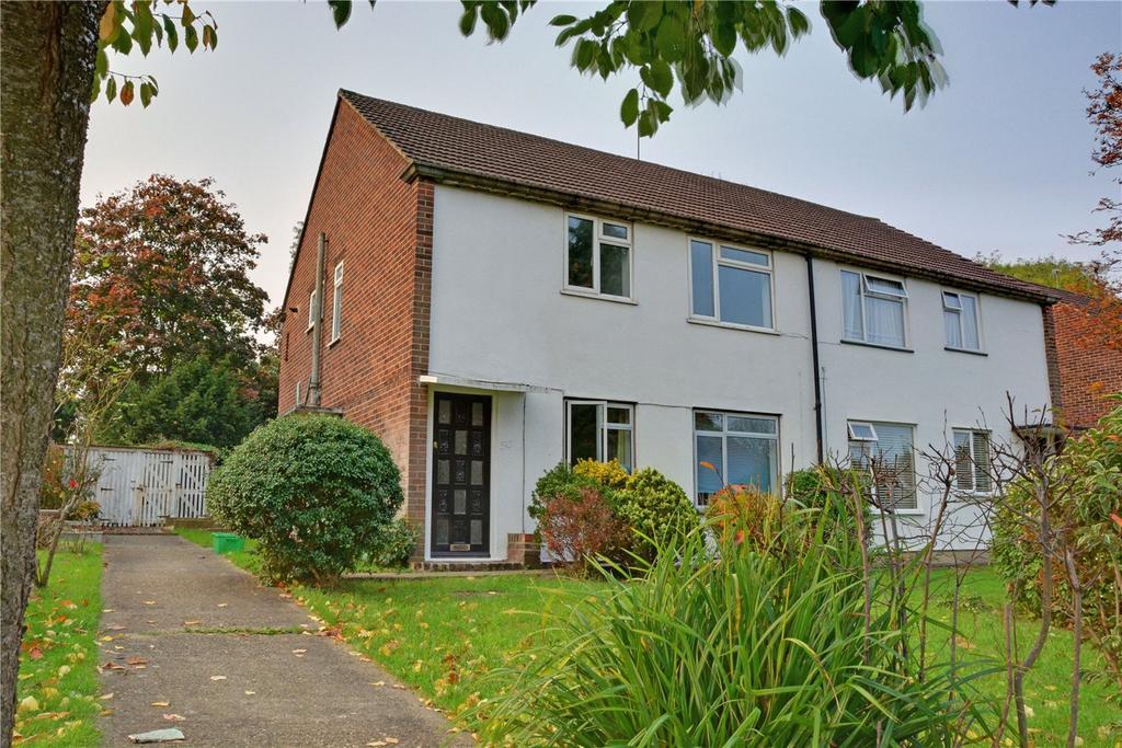 2 Bedrooms Maisonette Flat for sale in Croft Close, Chislehurst, BR7