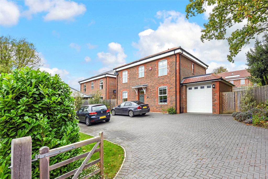 4 Bedrooms Detached House for sale in Fishbourne Road West, Chichester, West Sussex, PO19