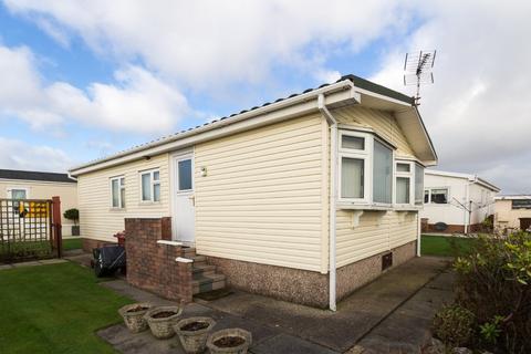 2 bedroom chalet for sale - West Shore Park, Walney, Barrow-In-Furness