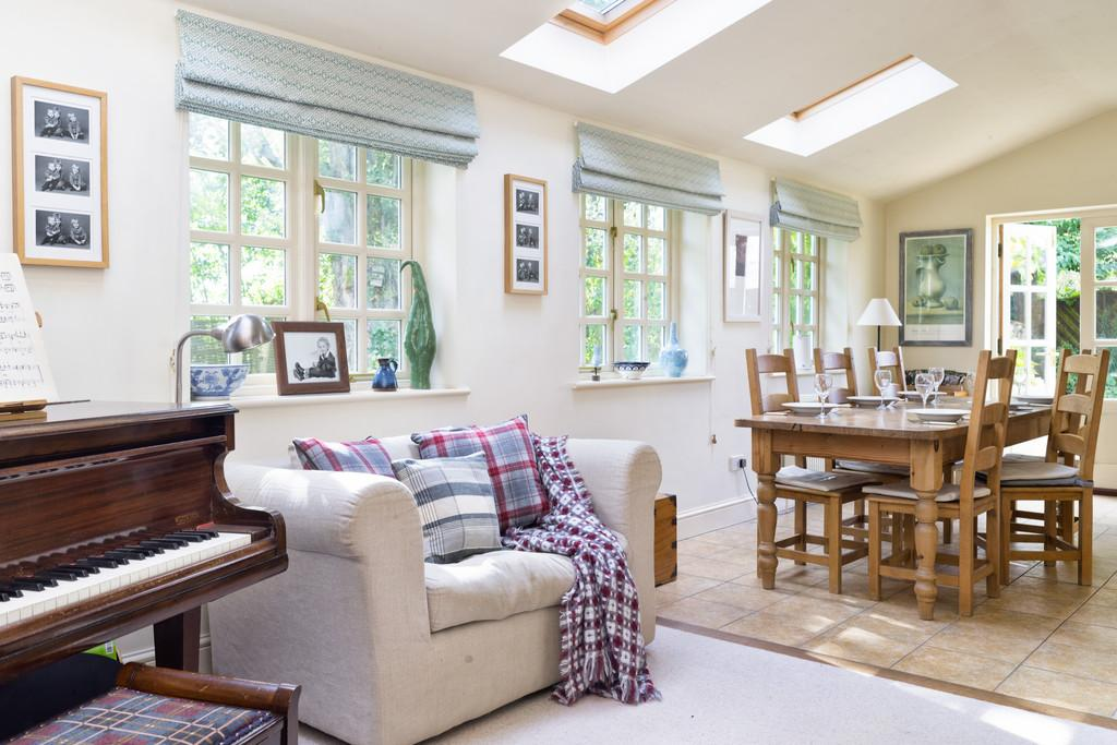 5 Bedrooms Cottage House for sale in Clanfield
