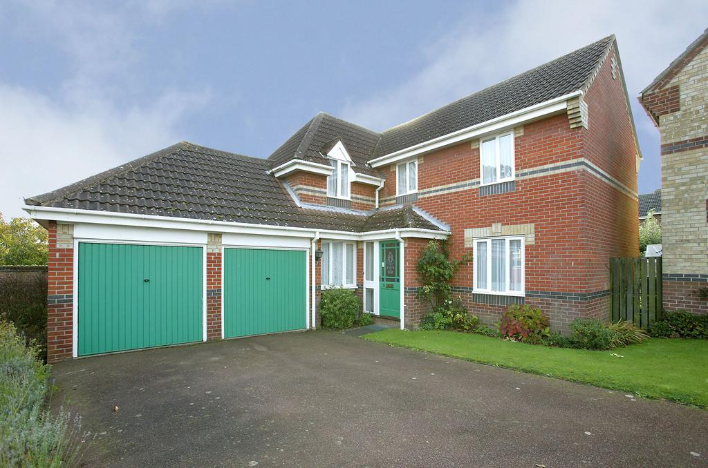 4 Bedrooms Detached House for sale in Churchfields, Hethersett