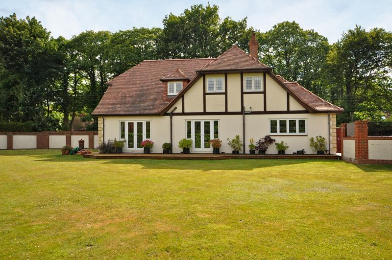 4 Bedrooms Detached House for sale in Gravesend Road, Wrotham, Sevenoaks, Kent, TN15