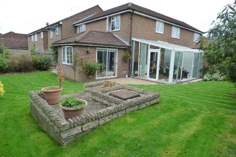 3 bedroom terraced house for sale - Robinson Court, Earley, Reading