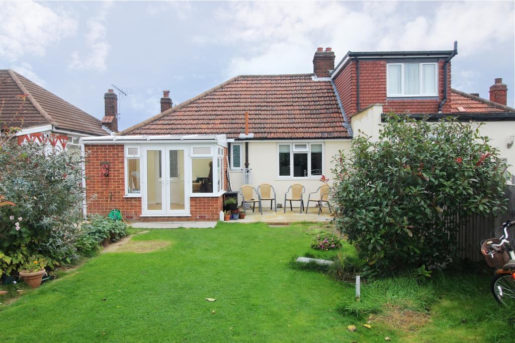 2 Bedrooms Bungalow for sale in Westbourne Road Bexleyheath DA7