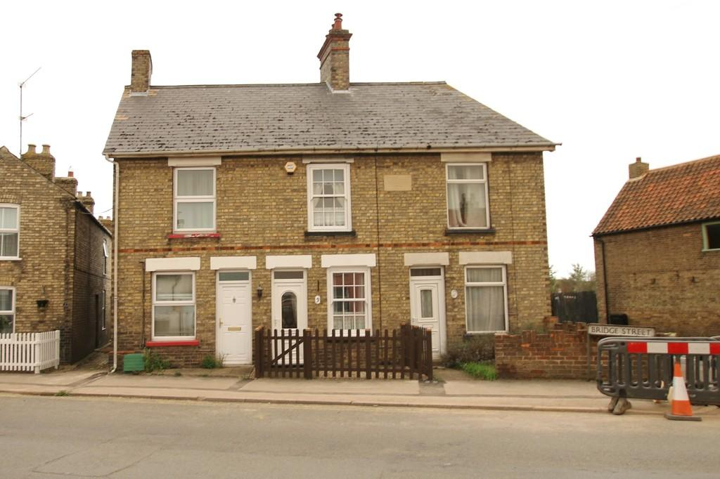 3 Bedrooms Terraced House for sale in Bridge Street, Chatteris