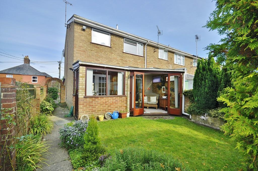 3 Bedrooms End Of Terrace House for sale in Newtown Road, Liphook