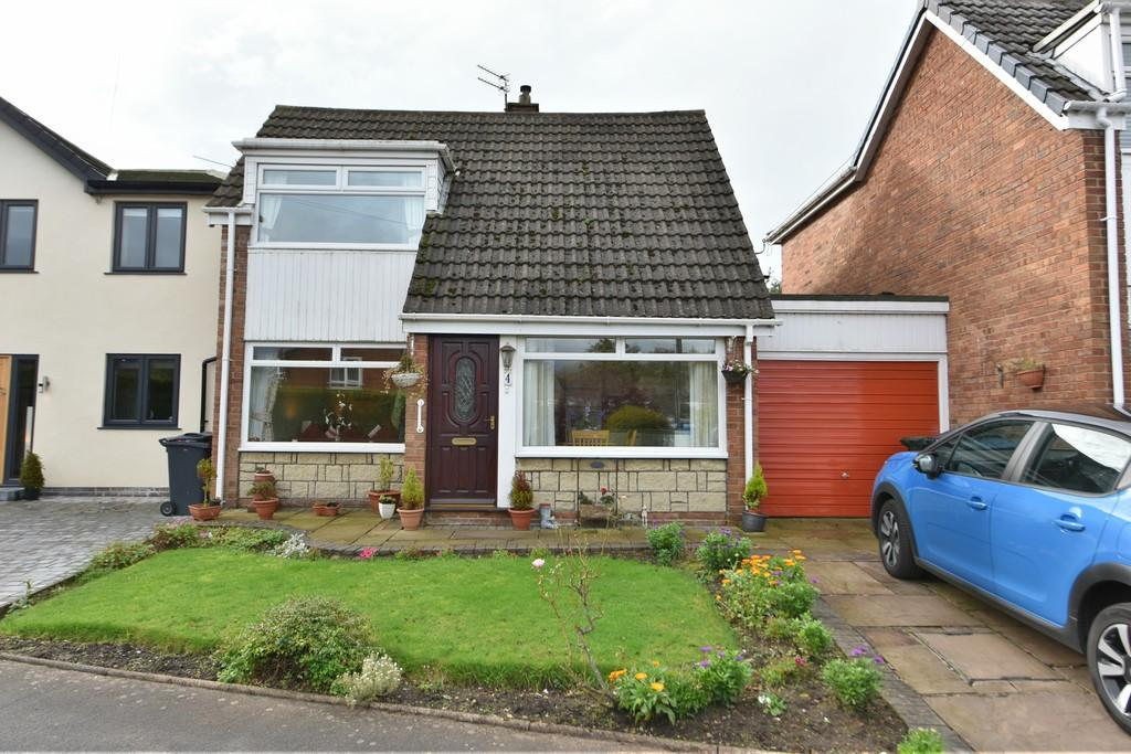 3 Bedrooms Link Detached House for sale in School Close, Aughton