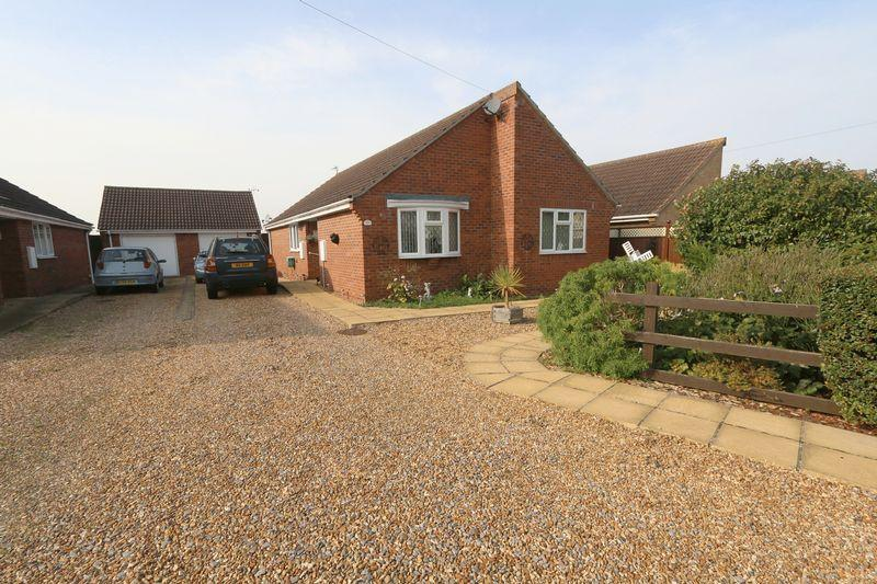 3 Bedrooms Detached Bungalow for sale in Orchard Row, Soham