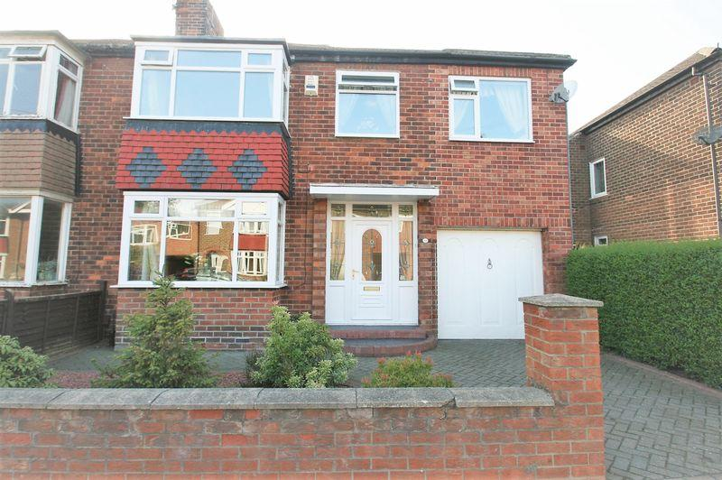4 Bedrooms Semi Detached House for sale in Waltham Avenue, Fairfield, Stockton, TS18 5AE