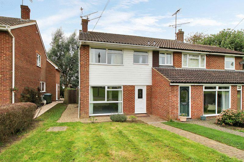 3 Bedrooms Semi Detached House for sale in Rowlands Road, Horsham