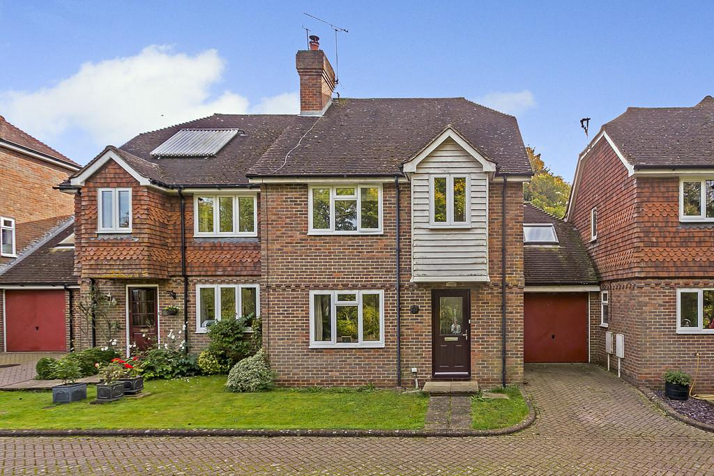 4 Bedrooms Terraced House for sale in Mill Stream Close, Ashurst