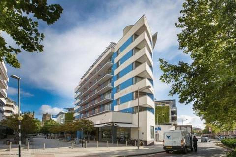2 bedroom flat to rent - Cathedral Walk, Bristol