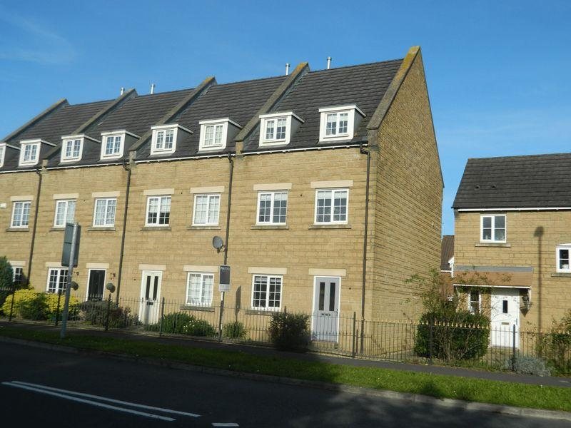 4 Bedrooms Terraced House for sale in Canal Way, Ilminster
