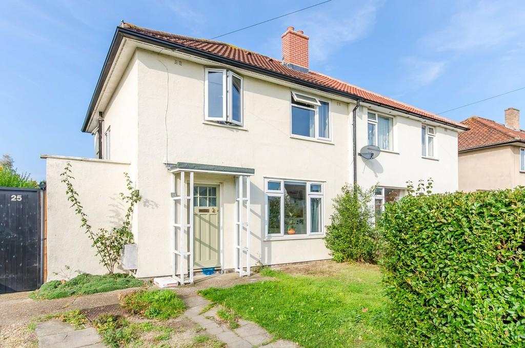3 Bedrooms Semi Detached House for sale in Bancroft Close, Cambridge