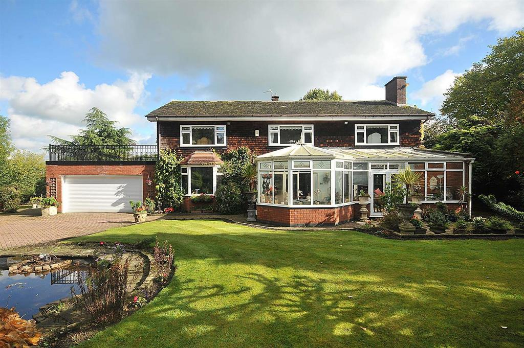 5 Bedrooms Detached House for sale in Chester Road