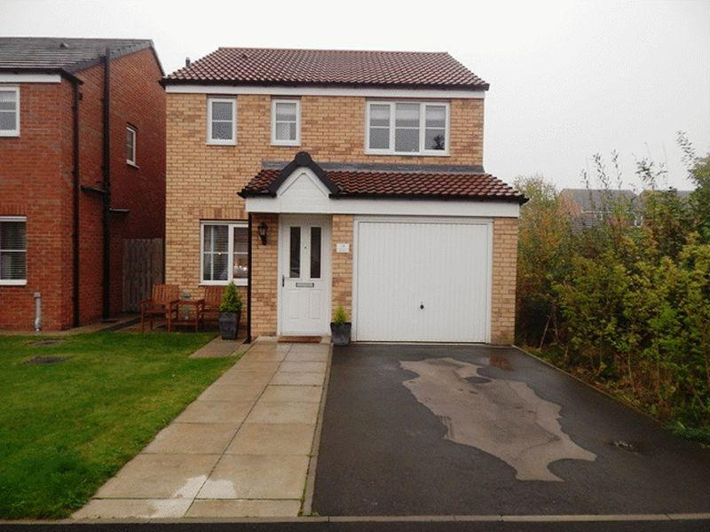 3 Bedrooms Detached House for sale in Swanston Grove, South Shore, Blyth