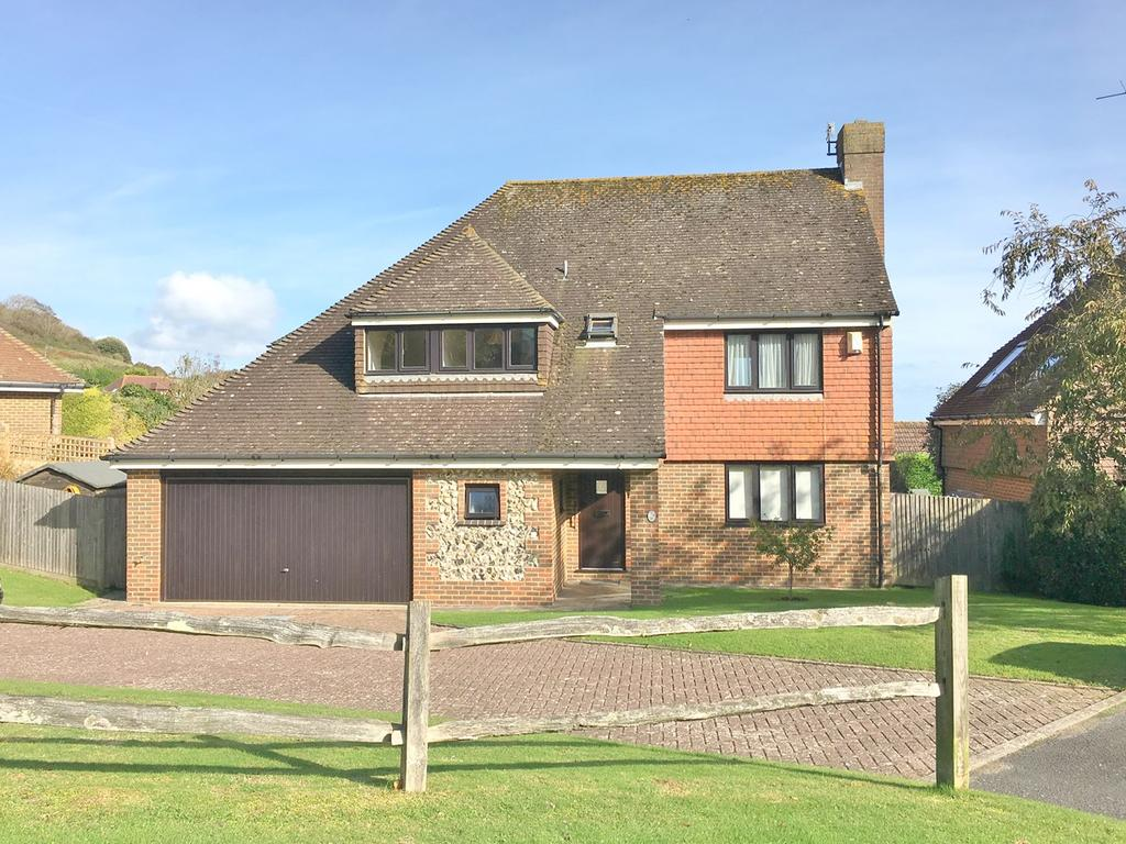 4 Bedrooms Detached House for sale in Lincoln Close, Meads, Eastbourne, BN20