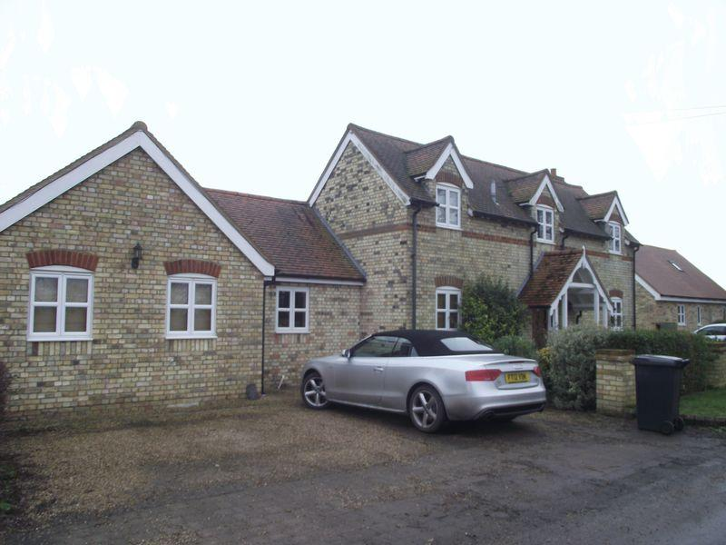 4 Bedrooms Detached House for rent in Brick Cottage, Matching Tye