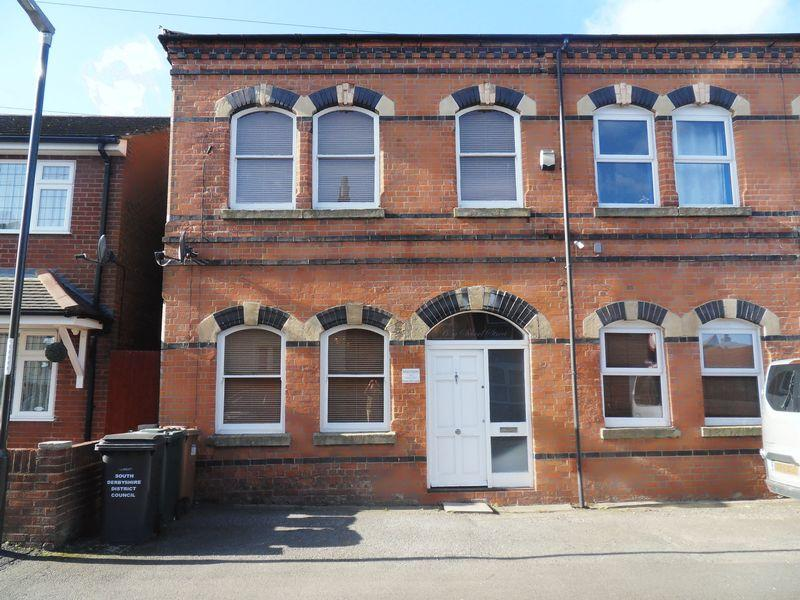 2 Bedrooms Terraced House for sale in School Street, Swadlincote