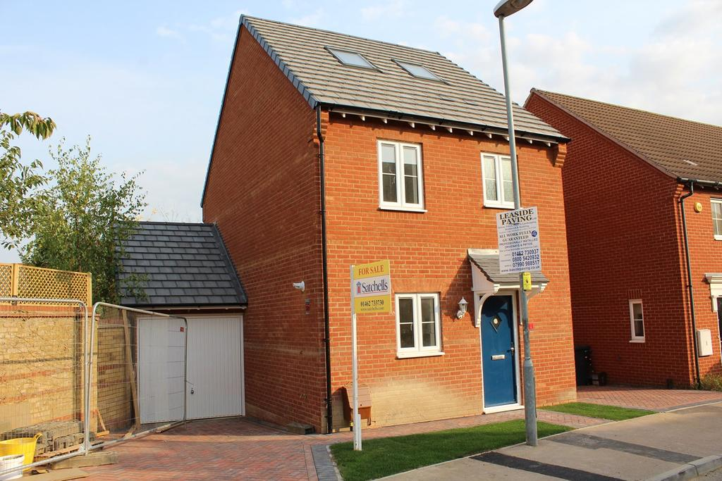 4 Bedrooms Detached House for sale in Prince Charles Avenue, Stotfold, Hitchin, SG5