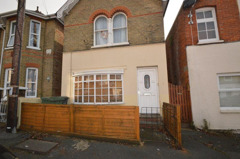 1 Bedroom Apartment Flat for sale in East Cowes, PO32 6SH