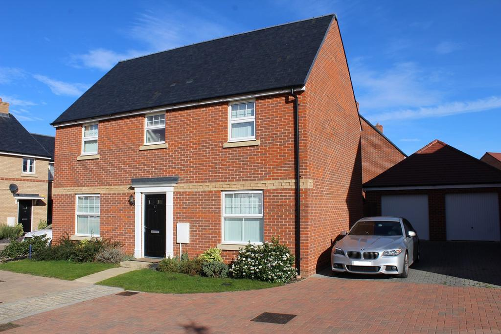 4 Bedrooms Detached House for sale in Evans Grove, Biggleswade, SG18