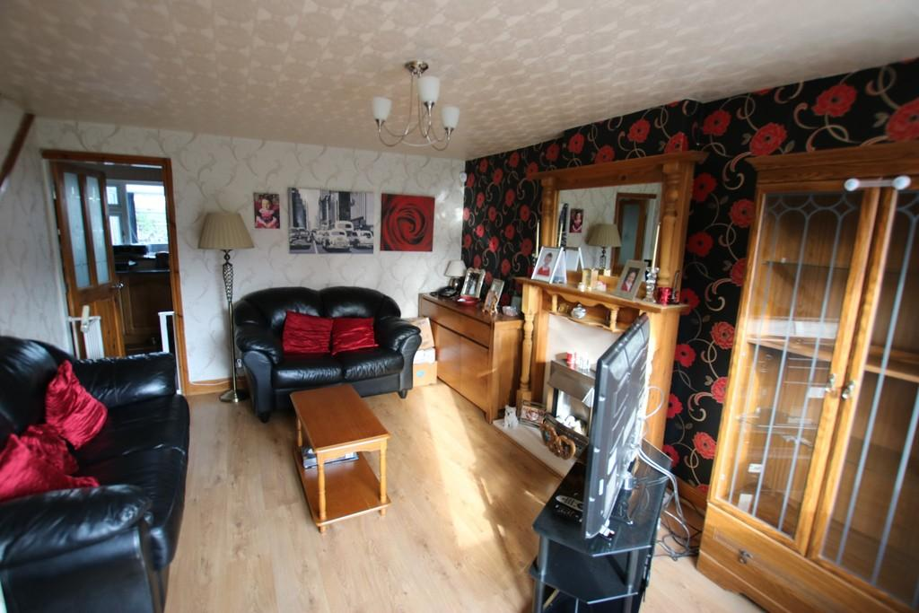 3 Bedrooms Semi Detached House for sale in Dawlish Close, Livesey, Blackburn