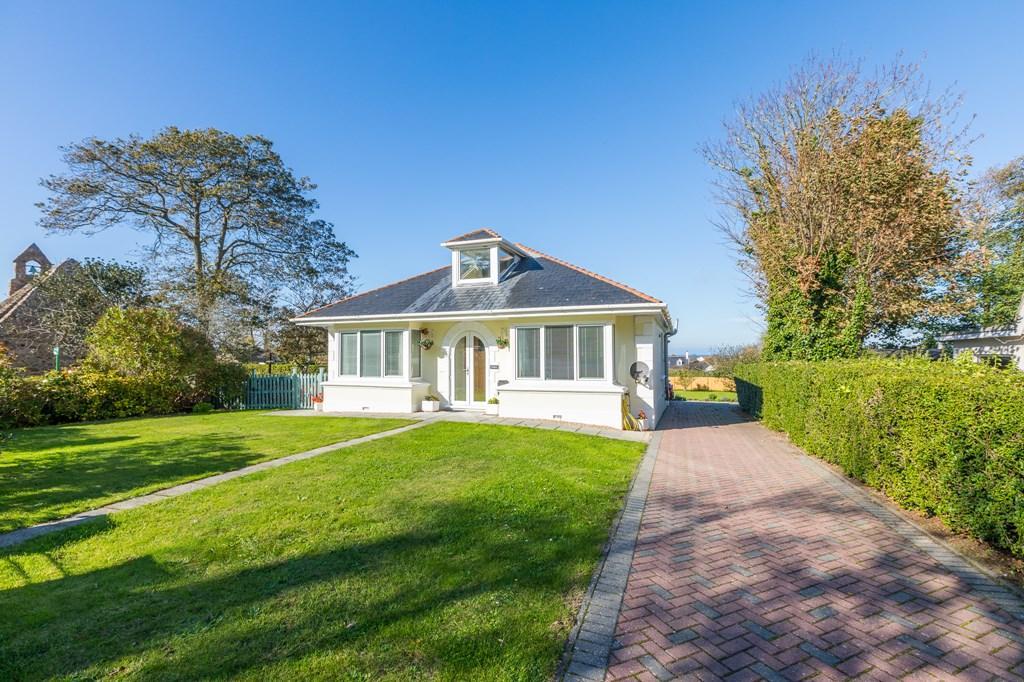 4 Bedrooms Detached House for sale in La Grande Rue, St. Saviour, Guernsey