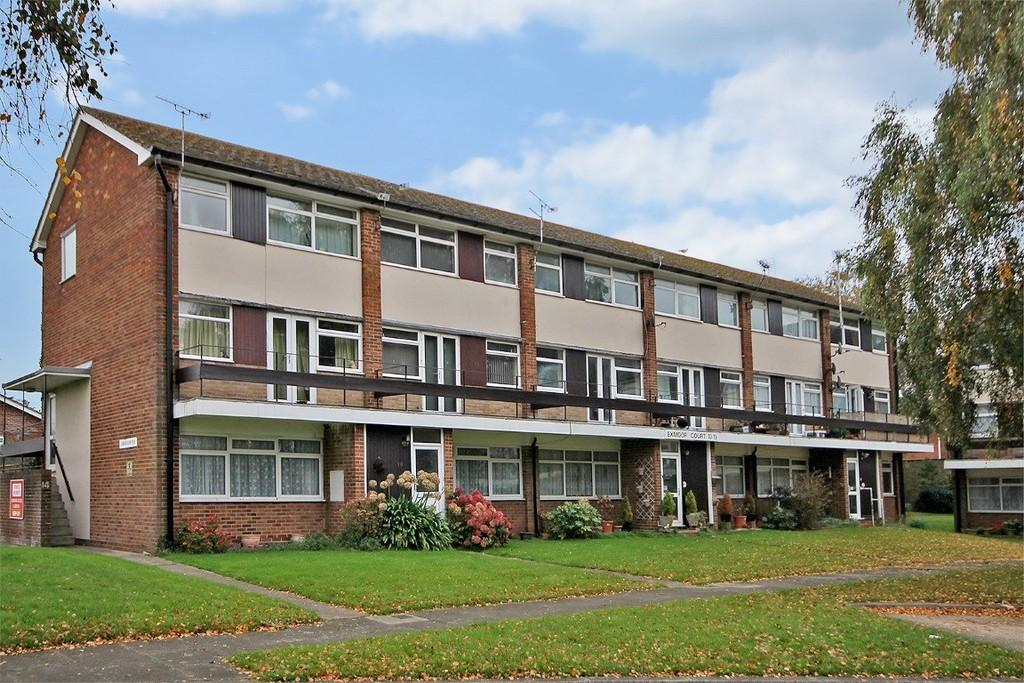 2 Bedrooms Maisonette Flat for sale in Exmoor Court, Exmoor Drive, Worthing BN13 2JL