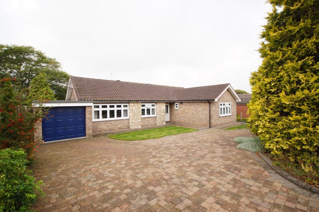 3 Bedrooms Detached Bungalow for sale in Parkside, Nettleham