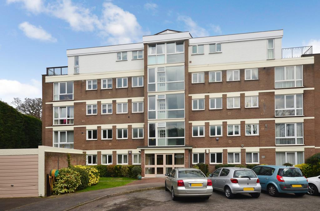 2 Bedrooms Ground Flat for sale in Hawsted, Buckhurst Hill
