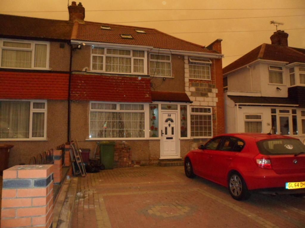 5 Bedrooms Terraced House for sale in FENDYKE ROAD, BELVEDERE, KENT, DA17 5DP
