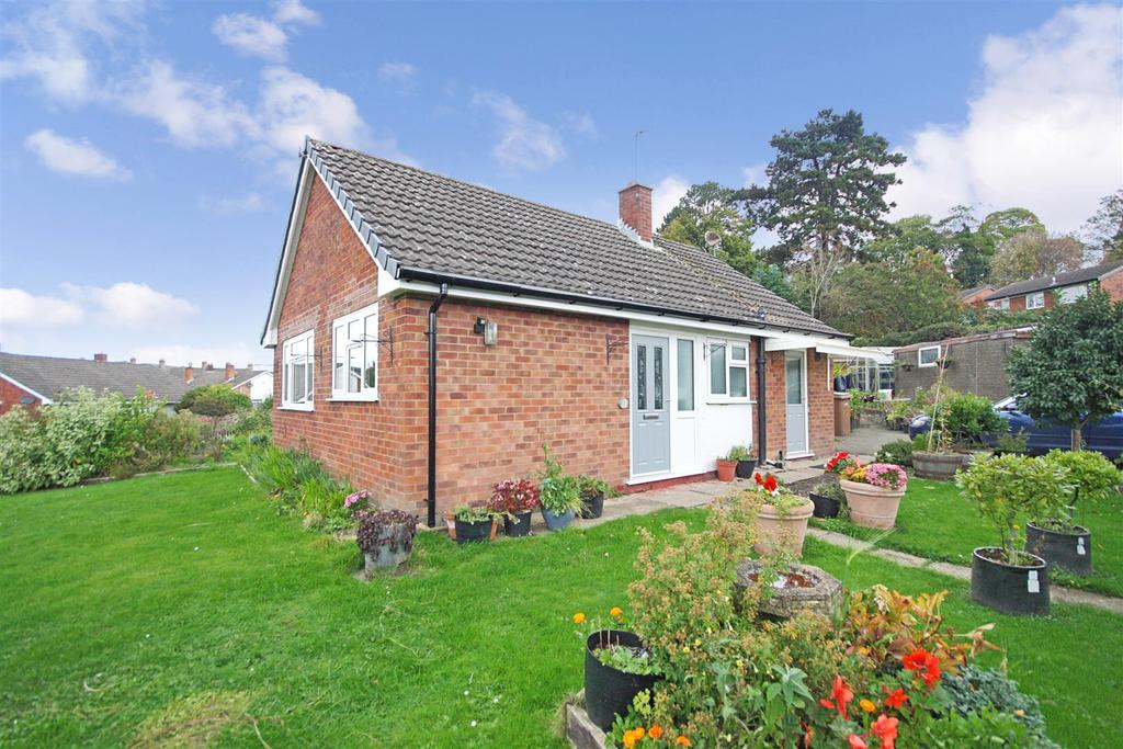 2 Bedrooms Detached Bungalow for sale in Walford Road, Oswestry