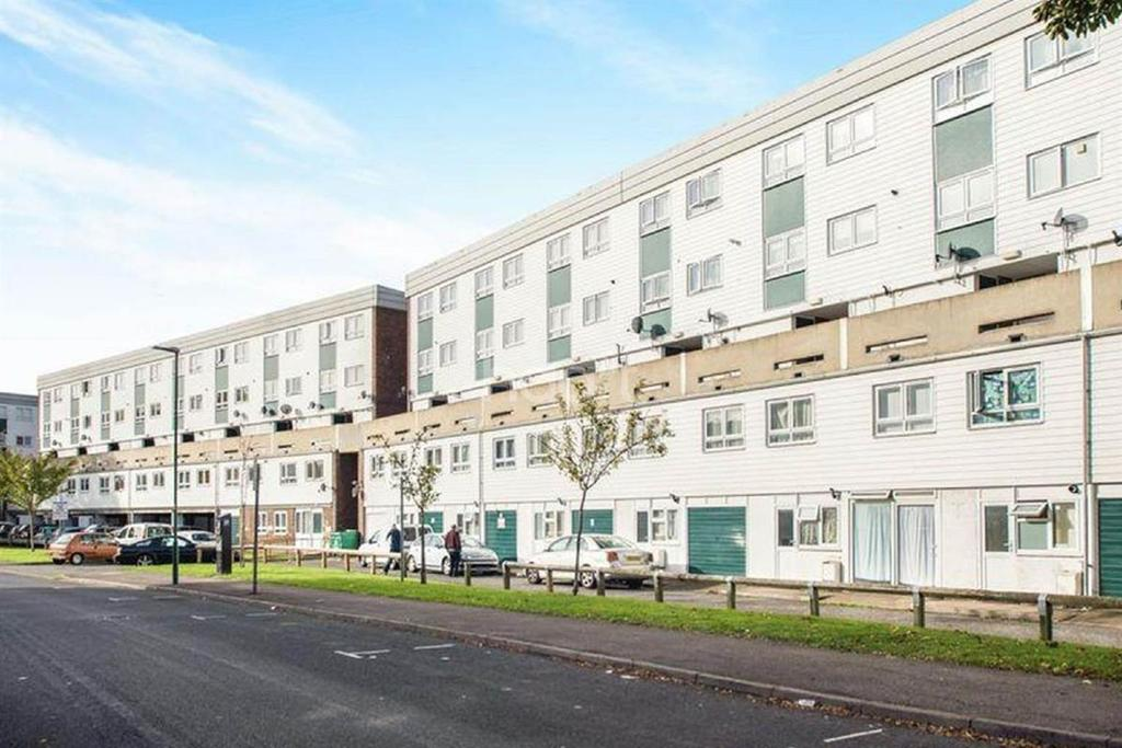 3 Bedrooms Maisonette Flat for sale in Brunswick Road, Sutton, SM1