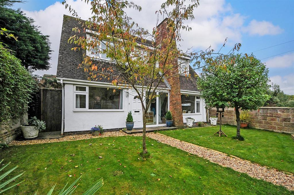 4 Bedrooms Detached House for sale in Orchard Way, Fontwell