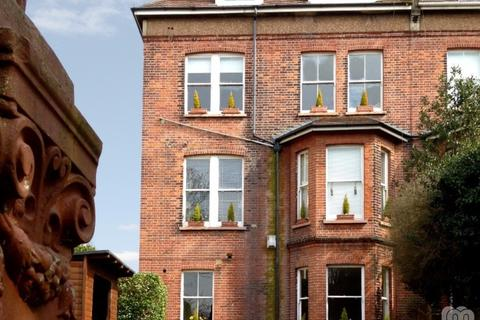 2 bedroom flat to rent - The Drive Hove East Sussex BN3
