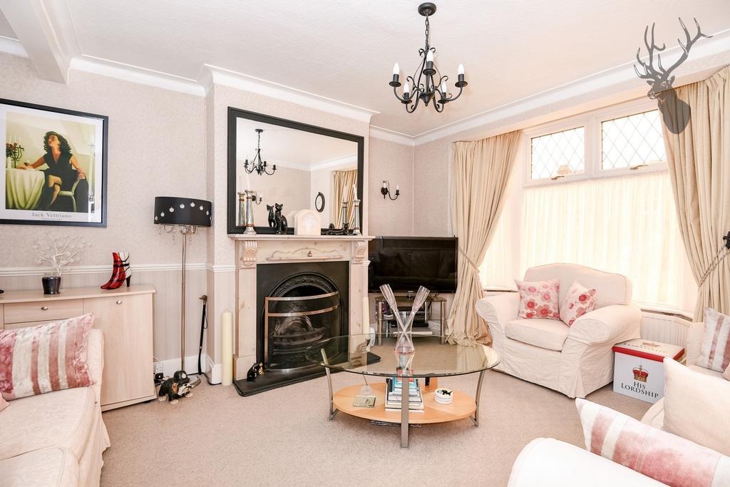 3 Bedrooms House for sale in Middleton Avenue, Chingford, E4