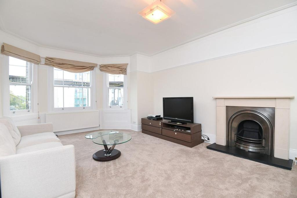 3 Bedrooms Flat for sale in Fellows Road, Belsize Park