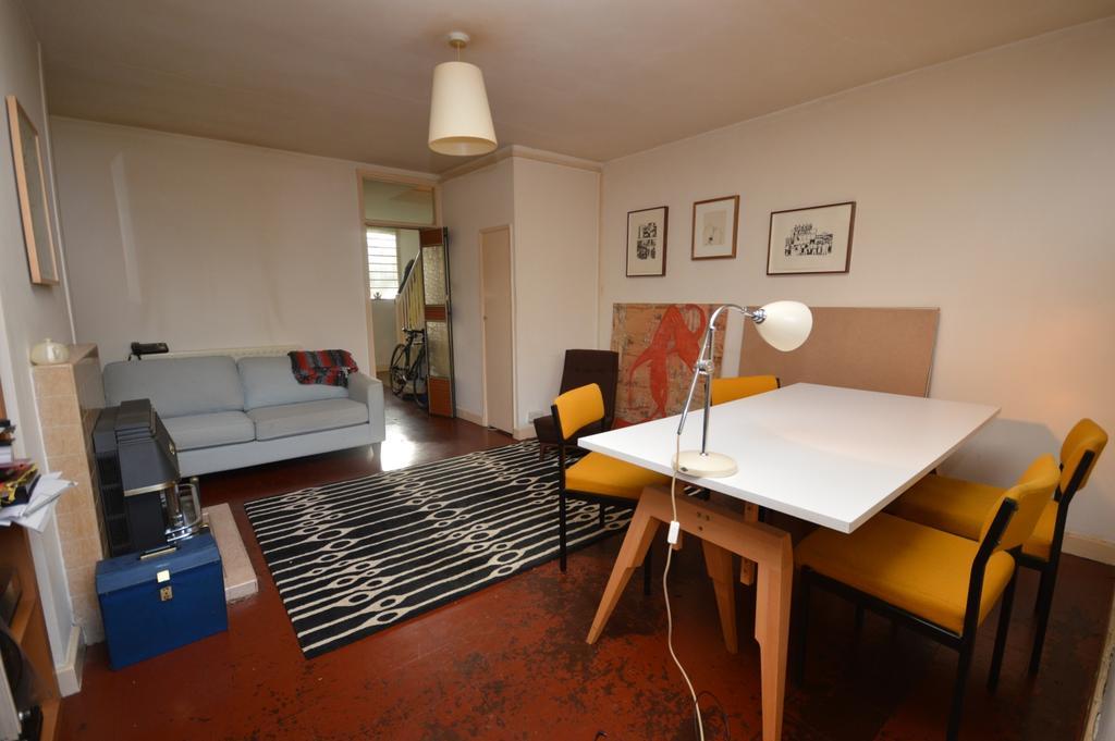 2 Bedrooms Maisonette Flat for sale in Wickham Road Brockley SE4