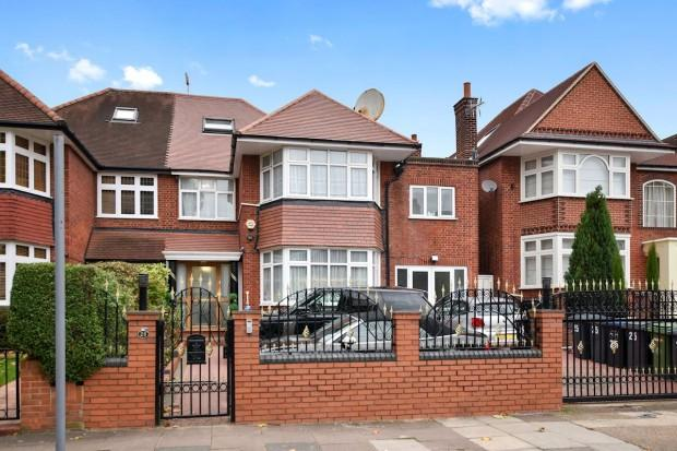 7 Bedrooms Semi Detached House for sale in The Avenue The Avenue, Brondesbury Park, NW6