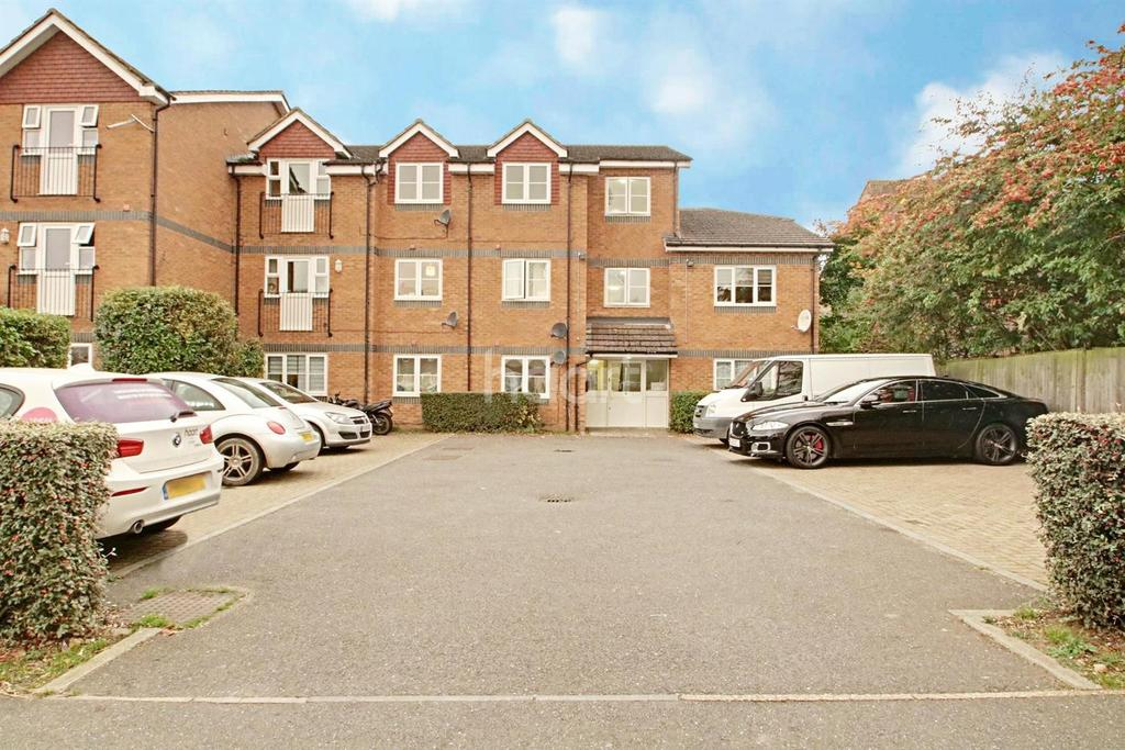 2 Bedrooms Flat for sale in The Beeches