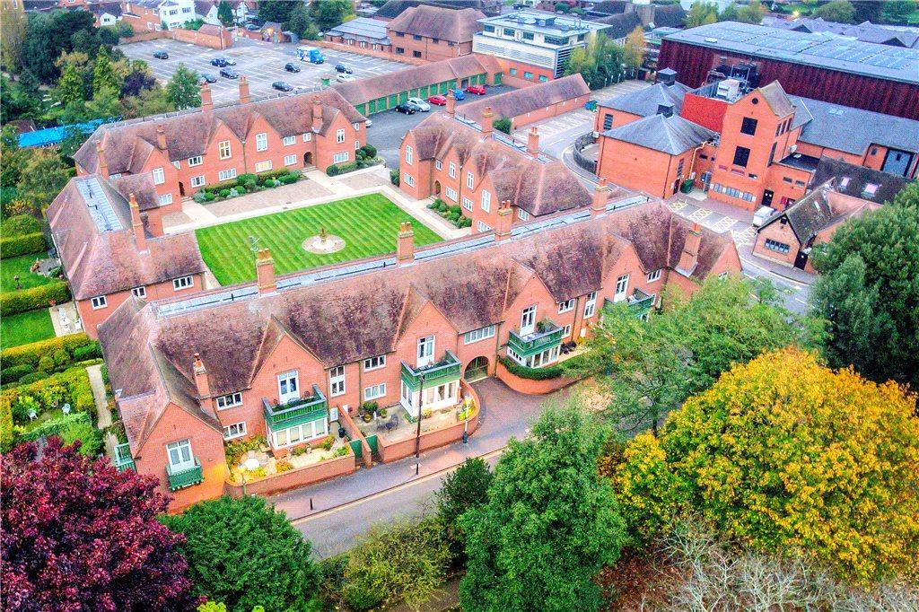 2 Bedrooms Apartment Flat for sale in Avonbank Paddocks, Southern Lane, Stratford-upon-Avon, Warwickshire, CV37
