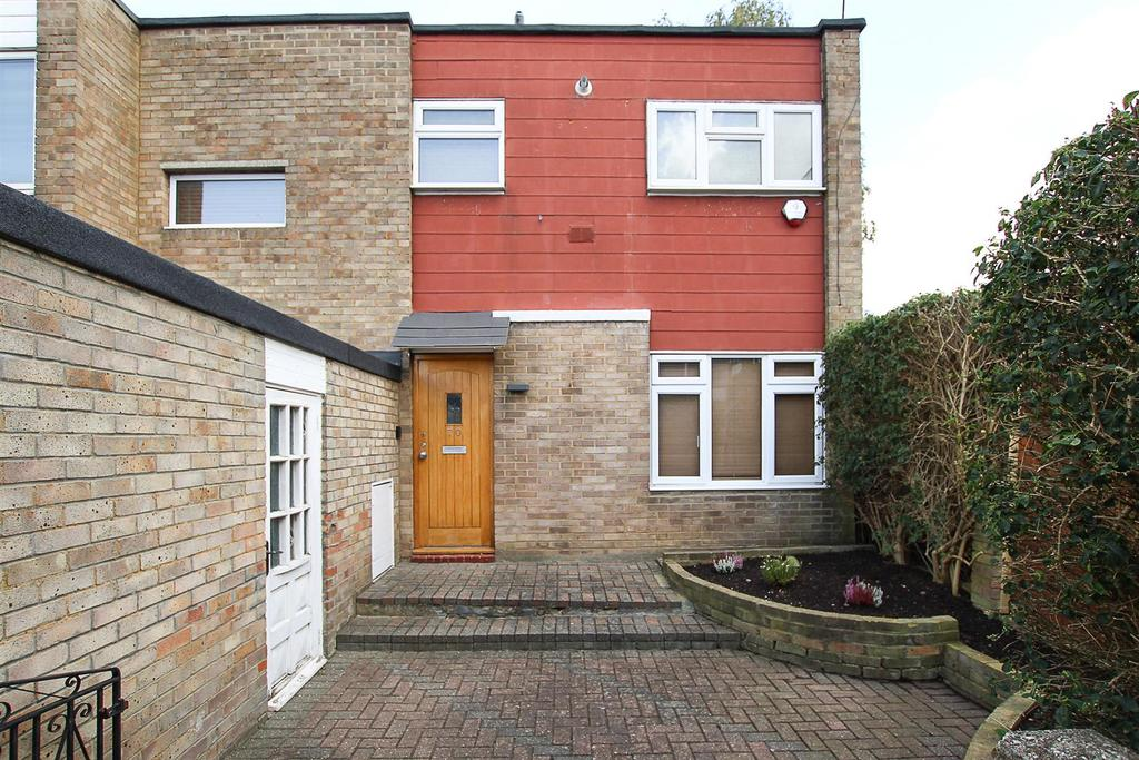 2 Bedrooms House for sale in Copperfield Gardens, Brentwood