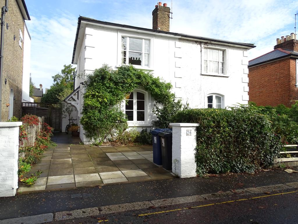 2 Bedrooms House for sale in Denmark Road, Ealing